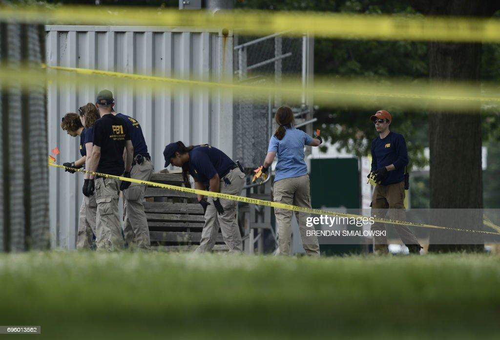 US-CRIME-SHOOTING-POLITICS : News Photo