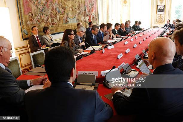 Members of the French government and representatives of the oil sector attend a meeting at the Hotel Matignon on May 28 2016 in Paris In France...