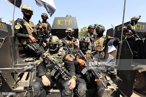 Members of the 'Golden Division' the special forces of the Iraqi counterterrorism forces take part in a training under the command of international...