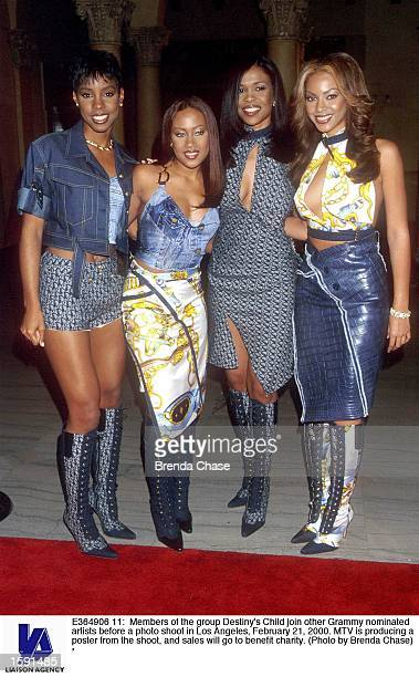 Members of the group Destiny's Child join other Grammy nominated artists before a photo shoot in Los Angeles February 21 2000 MTV is producing a...