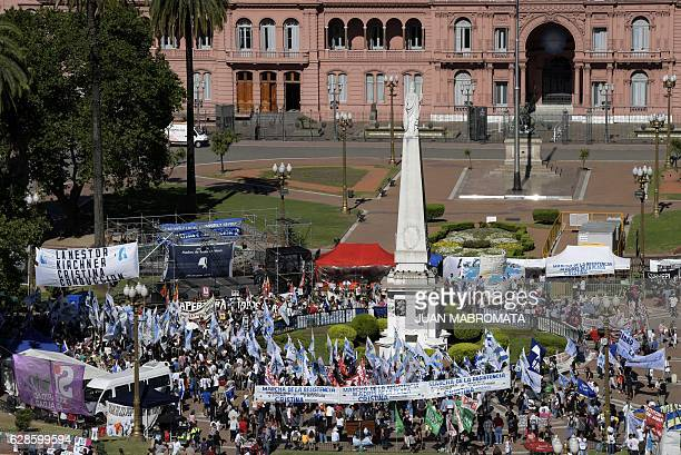 Members of the human rights organization Madres de Plaza de Mayo take part in a 24hour demonstration the Resistance March at Plaza de Mayo square in...