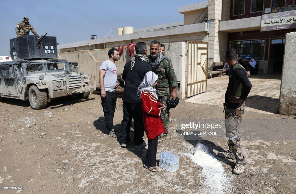 IRAQ-CONFLICT-HEALTH-HOSPITAL-SCHOOL : News Photo