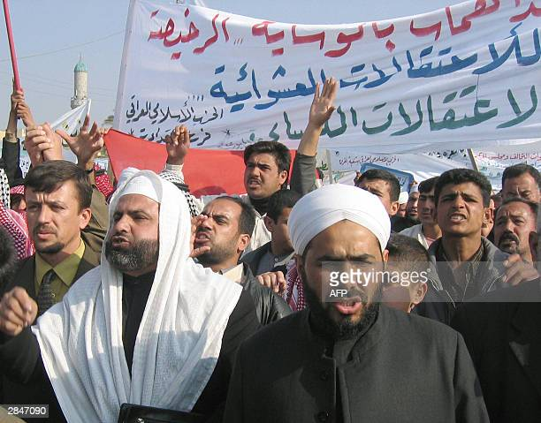 Members of the Iraqi Islamic party demonstrate in Baquba 60km northeast of Baghdad against the perceived persecution of Sunni Muslims by US forces 06...