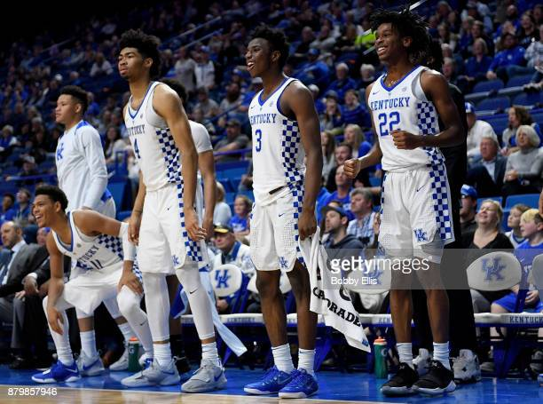 Members of the Kentucky Wildcats react on the bench near the end of the second half of the game between the Kentucky Wildcats and the IllinoisChicago...