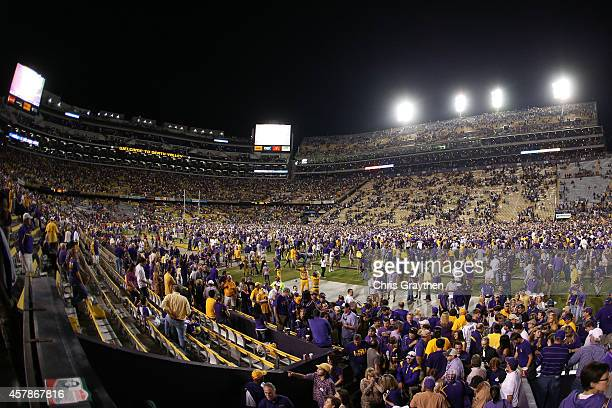Members of the LSU Tigers celebrate their 10-7 win over Mississippi Rebels at Tiger Stadium on October 25, 2014 in Baton Rouge, Louisiana.