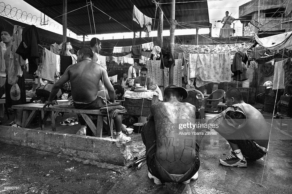 Gangs of El Salvador : News Photo