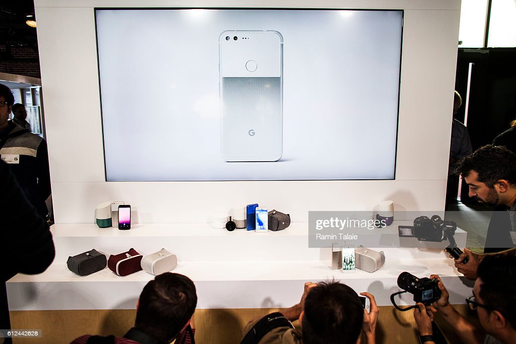 Google Unveils New Products, Including New Pixel Phone : News Photo