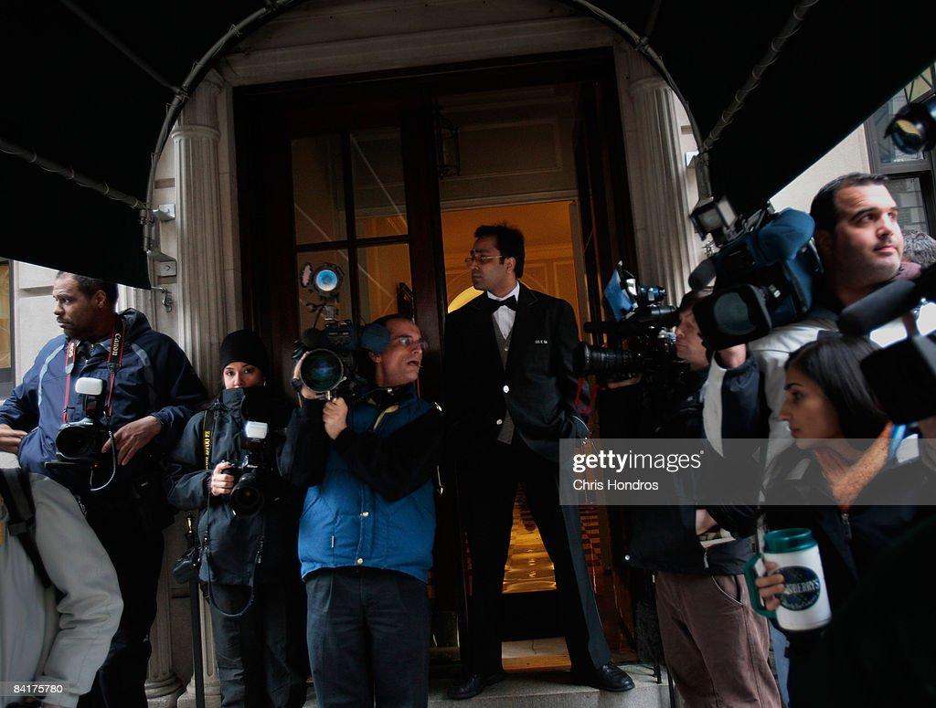 Ponzi Scheme Investor Madoff Appears In Federal Court : News Photo