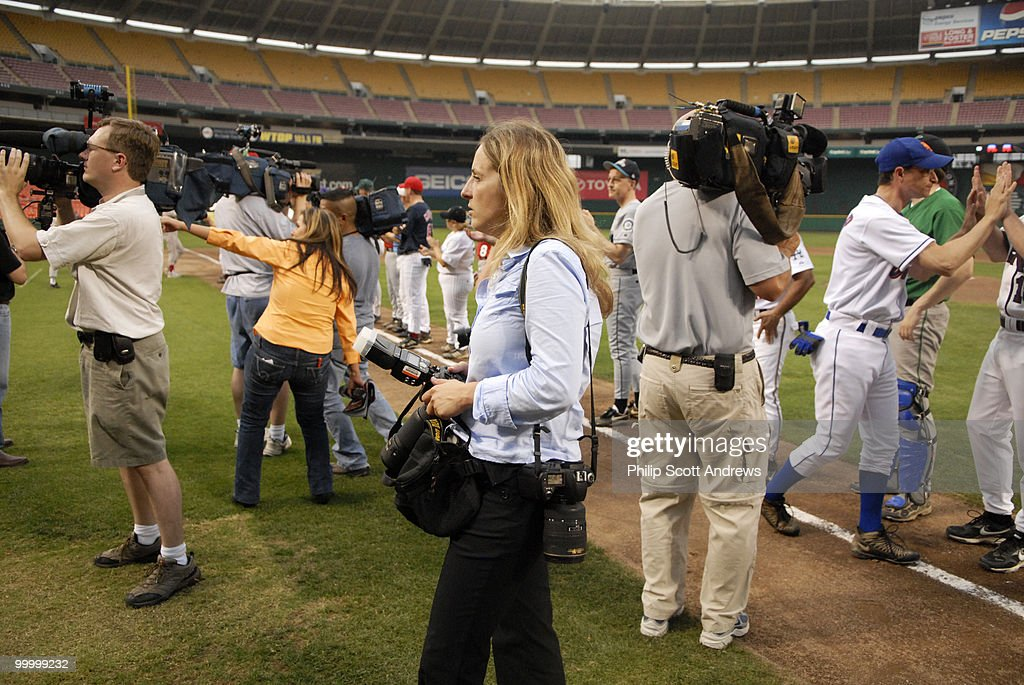 Members of the media were out in force at the congressional baseball game.
