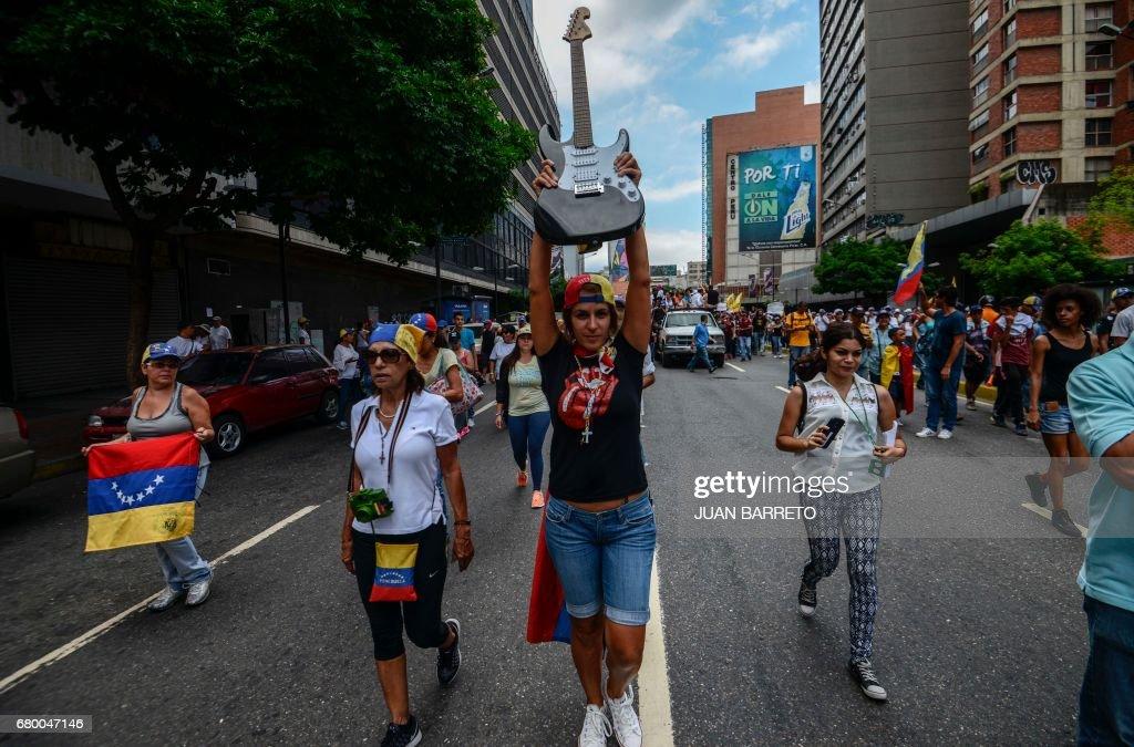 VENEZUELA-CRISIS-DEMONSTRATION : News Photo
