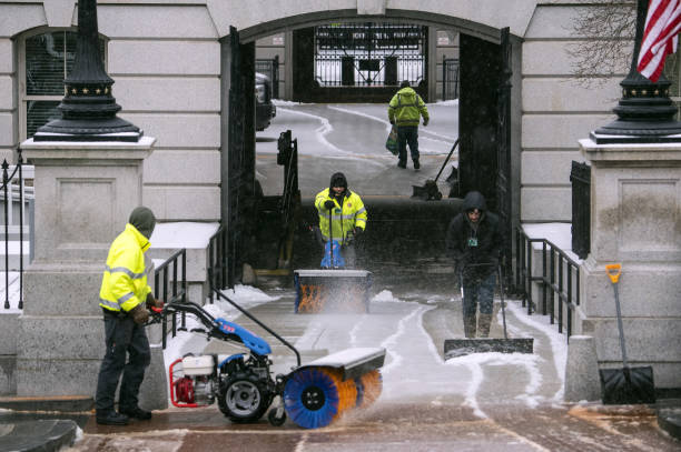 DC: Winter Storm Brings Snow And Ice To Washington
