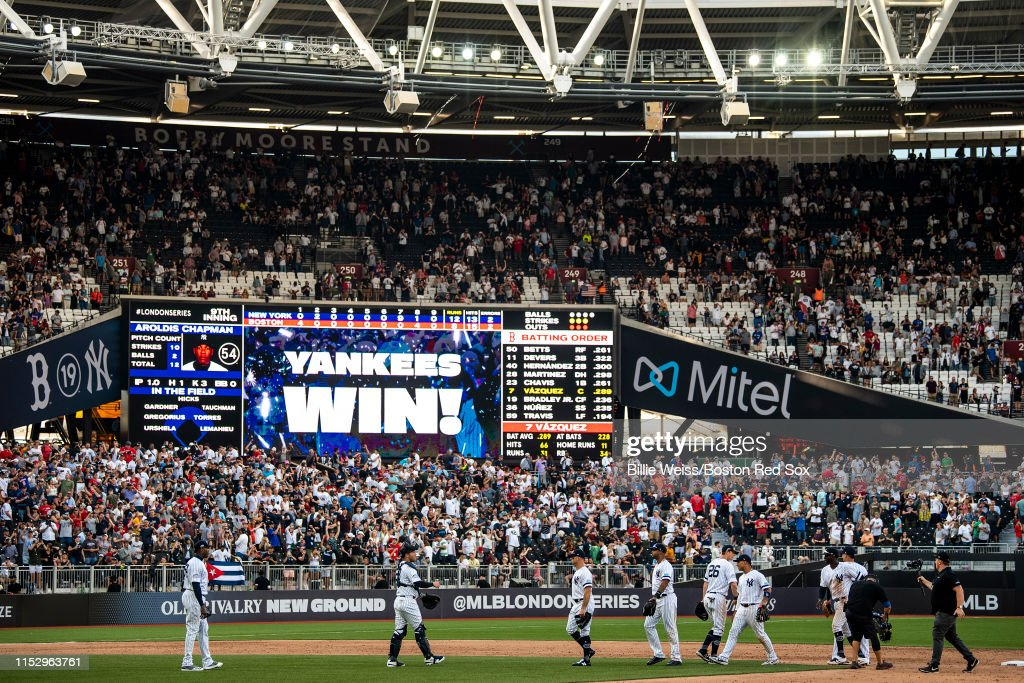 New York Yankees v Boston Red Sox : Photo d'actualité