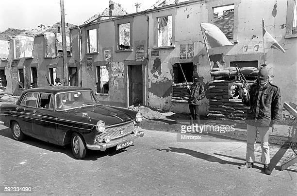 Members of the official IRA seen manning a barricade in the Bogside April 1972 724762006