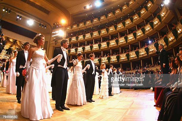 Members of the opening committee dance at the Vienna opera ball on January 31 2008 in Vienna Austria The traditional Opera Ball is held at the opera...