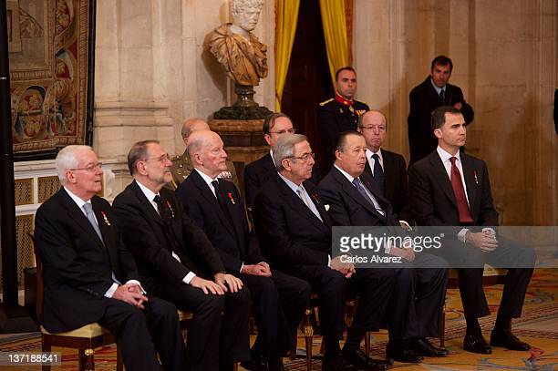 Members of the Order of the Golden Fleece Victor Garcia de la Concha Javier Solana Simeon of Bulgaria Constantine II of Greece Carlos de Borbon Dos...