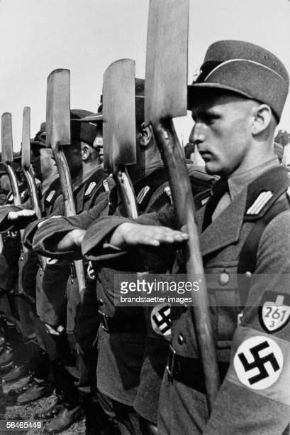 Members of the organisation Todt at a nuremberg party congress Around 1939 Photography [Mitglieder der Organisation Todt bei einem Nuernberger...