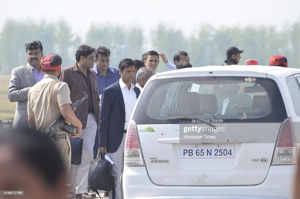 Members of the Pakistan Joint Investigation Team looking at the area of Kathlore bridge in Bhamial Sector on March 29 2016 in Pathankot India A...