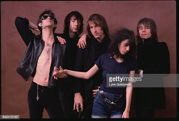 Members of the Patti Smith Group from left Lenny Kaye Bruce Brody Jay Dee Daugherty Patti Smith Ivan Kral