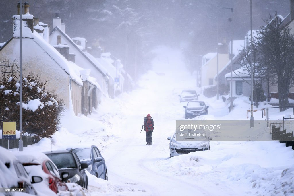Big Freeze Brings Snow, Ice and Flooding To The UK : News Photo
