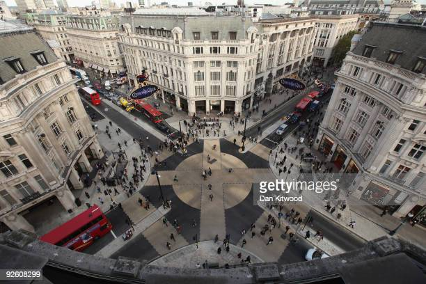 Members of the public cross the new diagonal crossing at Oxford Circus after it's official opening by Mayor of London Boris Johnson on November 2...