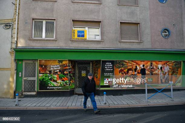 Members of the public gather in the town center on February 14 2017 in HayangeFrance The people of the French Rust Belt are expected to play a key...
