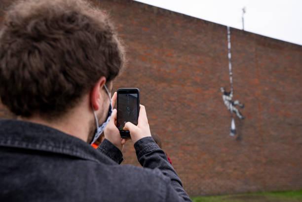 GBR: Banksy Confirms Escaping Prisoner Artwork at Reading Prison