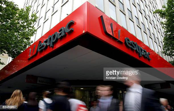 Members of the public walk past a Westpac bank on Collins Street on October 30 2008 in Melbourne Australia Westpac today announced a 6% increase in...