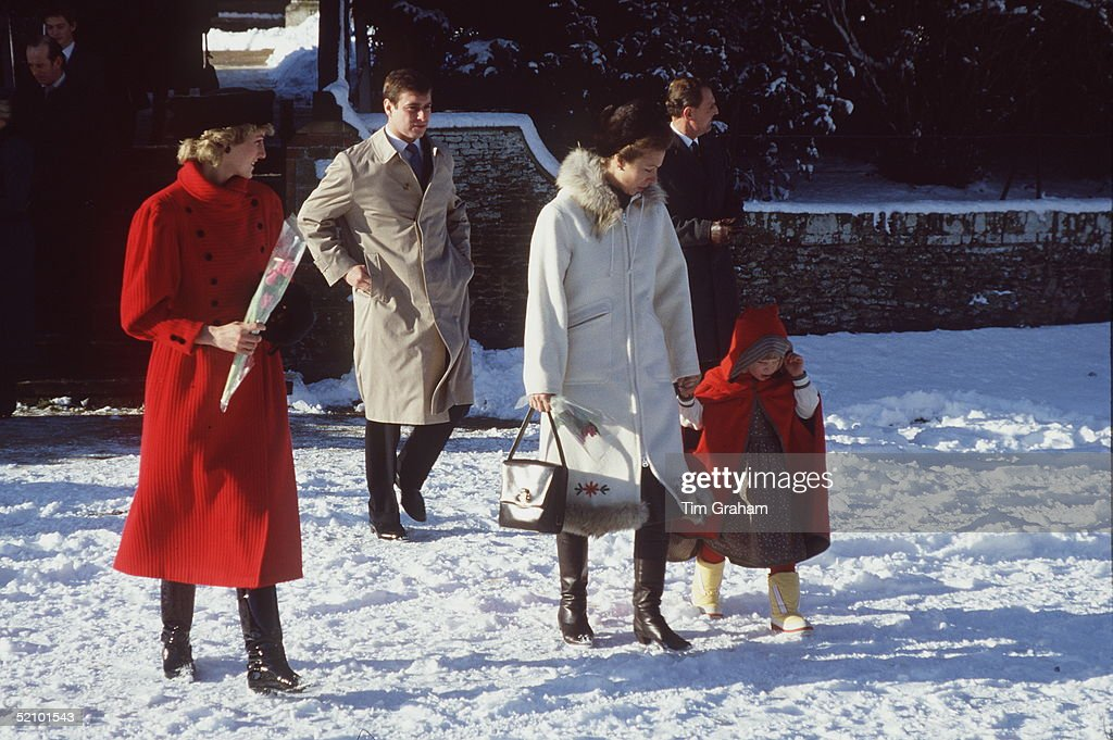 Royals Xmas Snow 1985 : News Photo