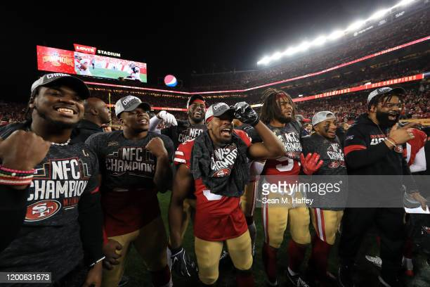 Members of the San Francisco 49ers celebrates after winning the NFC Championship game against the Green Bay Packers at Levi's Stadium on January 19...