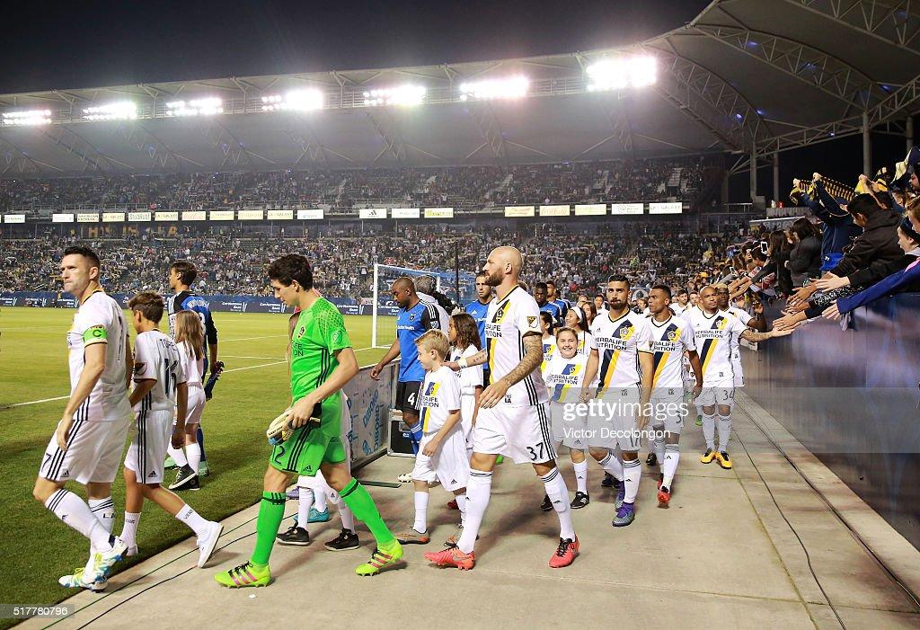 San Jose Earthquakes v Los Angeles Galaxy : News Photo