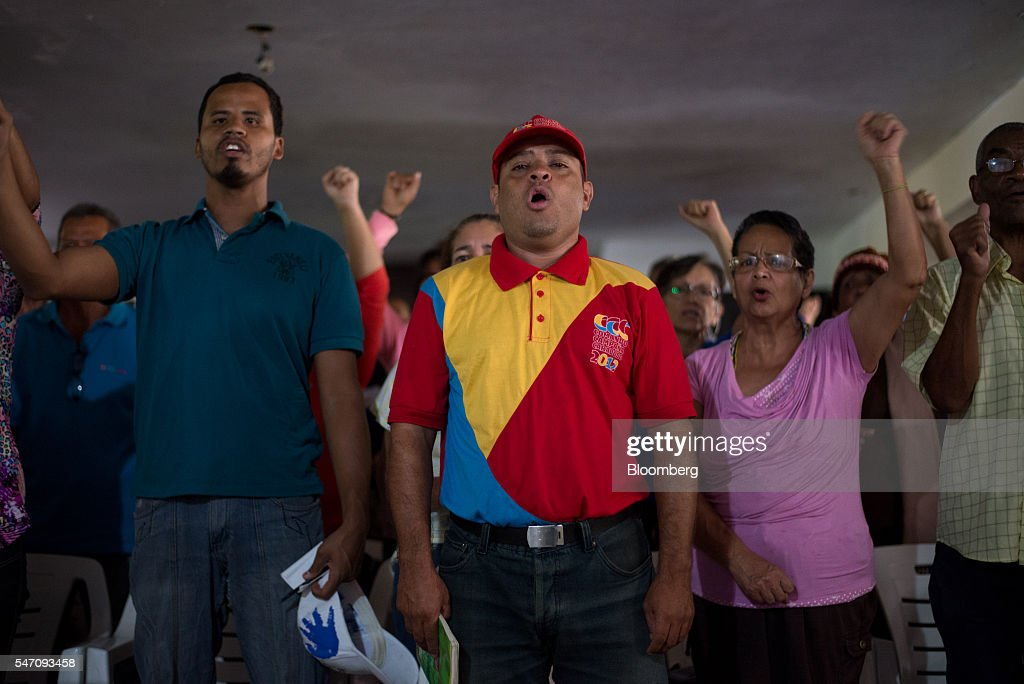 As Chaos Spreads, Venezuela Trucks Food Directly to the Poorest : News Photo
