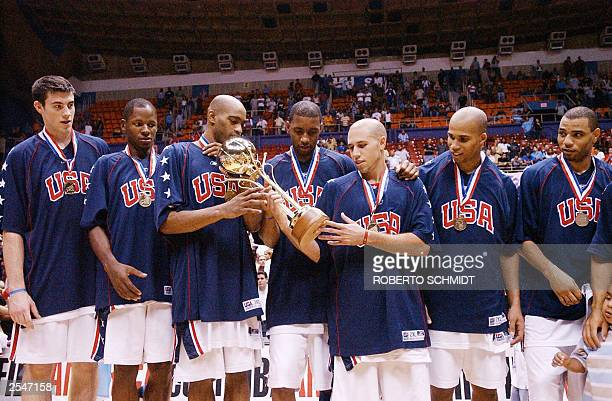Members of the US Men's national basketball team Nick Collinson, Ray Allen, Vince Carter, Tracy McGrady, Mike Bibby, Richard Jefferson and Kenyon...