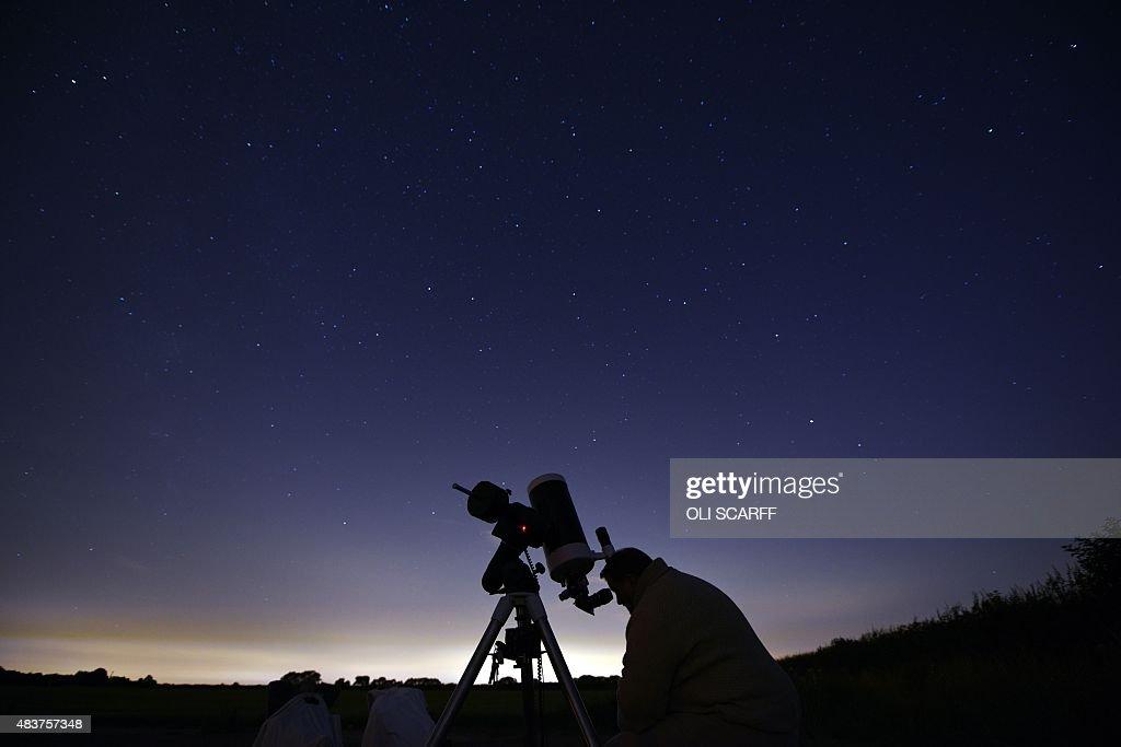 BRITAIN - ASTRONOMY - METEORS - PERSEIDS : News Photo