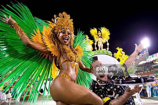Members of Uniao da Ilha samba school perform during its parade at 2014 Brazilian Carnival at Sapucai Sambadrome on March 03 2014 in Rio de Janeiro...