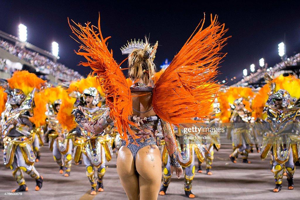 Rio Carnival 2014 - Day 2 : News Photo