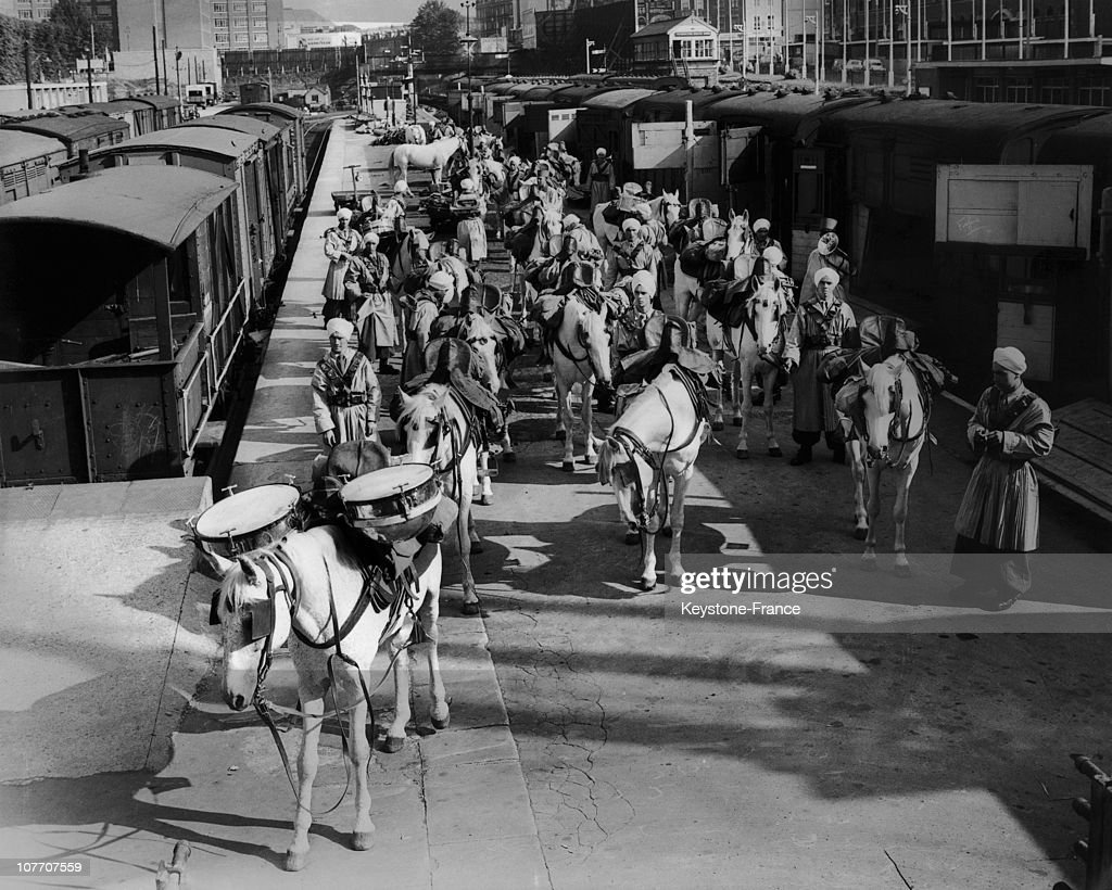 The Spahis From Senlis Arrives In London In 1957 : News Photo