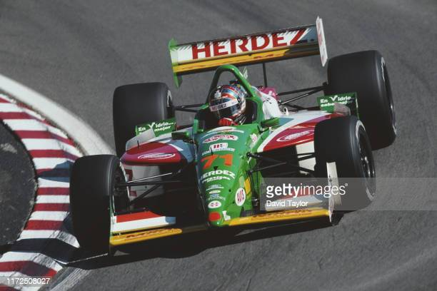 Memo Gidley of the United States drives the Payton/Coyne Racing Herdez Lola B99/00 Ford XD V8t during practice for the Championship Auto Racing Teams...