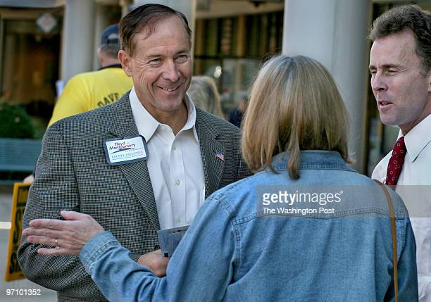 MeMoCoRace Photos by Michael Williamson NEG#185295 11/01/06 REPUBLICAN MONTGOMERY COUNTY EXECUTIVE CANDIDATE CHUCK FLOYD HANDS OUT FLYERS NEAR...