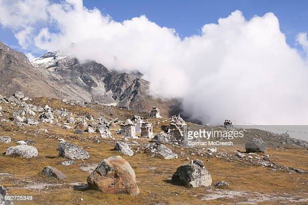 memorial chortens to fallen everest climbers, nepal - mount everest deaths stock photos and pictures