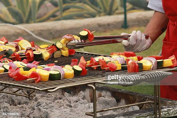 memorial day celebrations - usa - vegetable kebab stock pictures, royalty-free photos & images