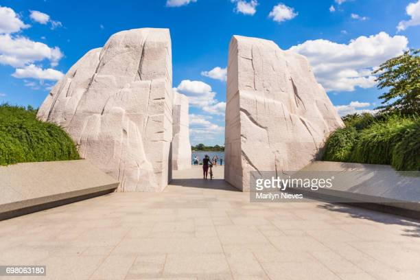 mlk memorial entry point - martin luther king jr. memorial washington dc stock pictures, royalty-free photos & images