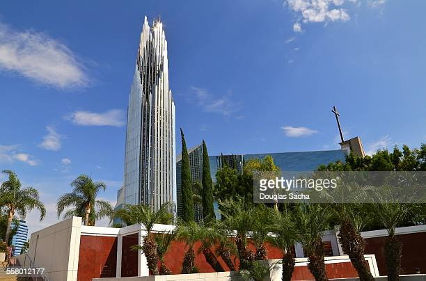 memorial gardens at the crystal cathedral church - crystal cathedral stock pictures, royalty-free photos & images