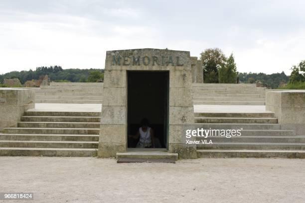 Memorial le 16 septembre 2011 OradoursurGlane HauteVienne Limousin Le nom d'OradoursurGlane reste attache au massacre de sa population par la...
