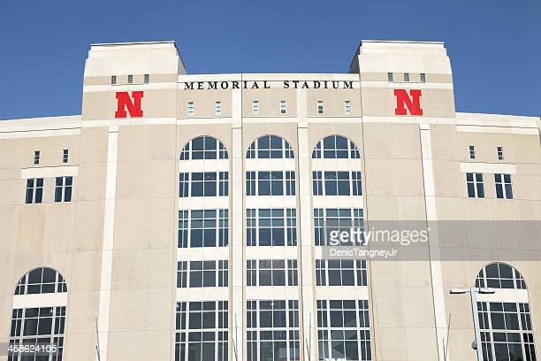 memorial stadium - university of nebraska lincoln stock pictures, royalty-free photos & images