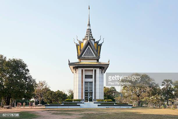 memorial stupa at choeung ek for victims of the khmer rouge - killing fields stock pictures, royalty-free photos & images