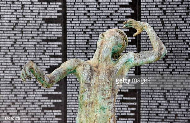 Memorial The Holocaust Memorial Miami Beach Detail of A sculpture of Love and Anguish by Kenneth Treister