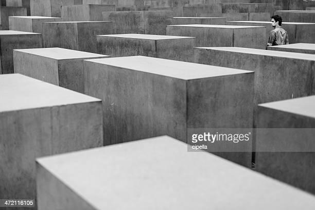 monumento agli ebrei d'europa assassinati - estremismo foto e immagini stock
