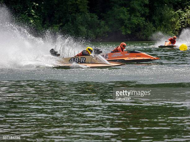 memorial weekend boat races willamette river newberg oregon three hydroplanes - hydroplane racing stock pictures, royalty-free photos & images