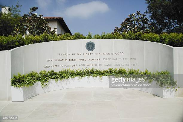 memorial with reagan quotation at the ronald w. reagan presidential library - reagan library stock photos and pictures