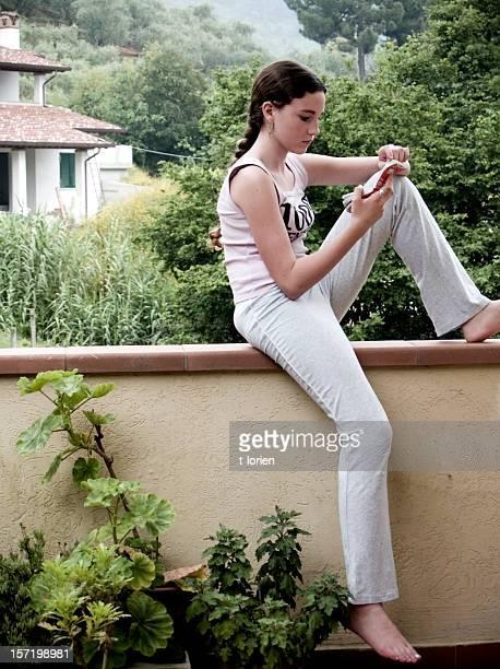 memorizing. - patio de colegio - fotografias e filmes do acervo